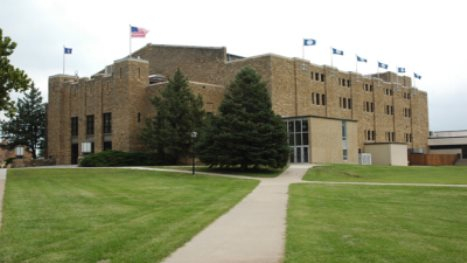 whiting-fieldhouse-at-topekas-washburn